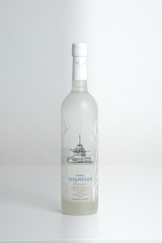Istanblue Vodka Ambalaj Tasarımı width=